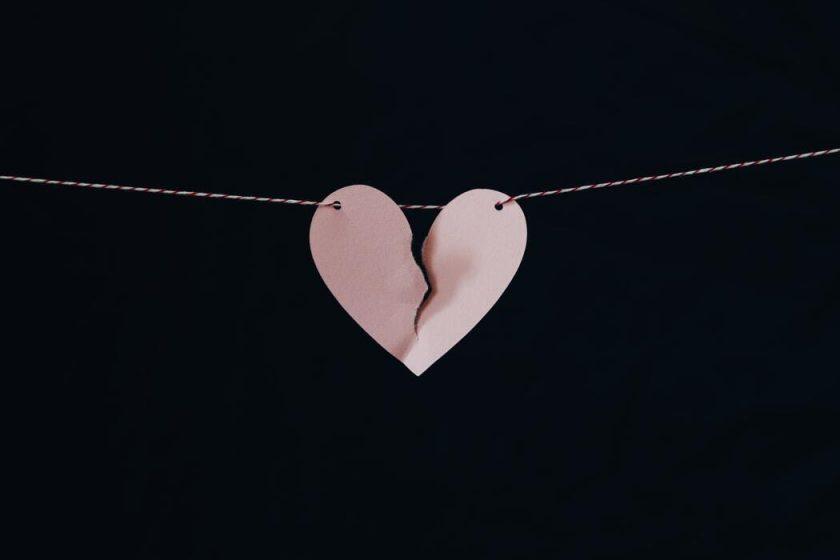 Słodko-gorzkie rozstanie czy koniec związku zawsze oznacza ból